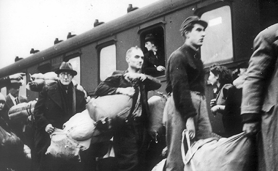 Dr. Leo Pins in 1941 during the deportation on the train station in Bielefeld
