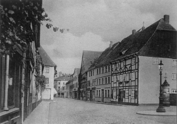 Westerbachstrasse with the Netheim store (the protruding corner house on the left)